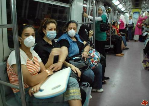 Egyptian subway: Public transportation can't be more crowded, so what did the extra week do to contain the flu?